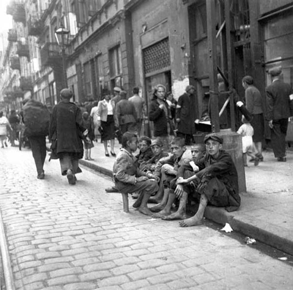 history life in the warsaw ghetto I was lucky enough to visit the beautiful city of warsaw about four years ago hard to visualize the horror of the ghetto - one of my ww2 obsessions this is a history of the warsaw ghetto that i &quotcompiled from several sources&quot which you might fin.